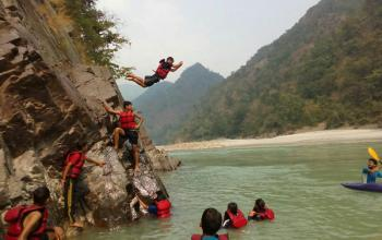 Taste adventure with river rafting in Rishikesh